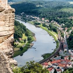 Uitzicht op de rivier de Elbe
