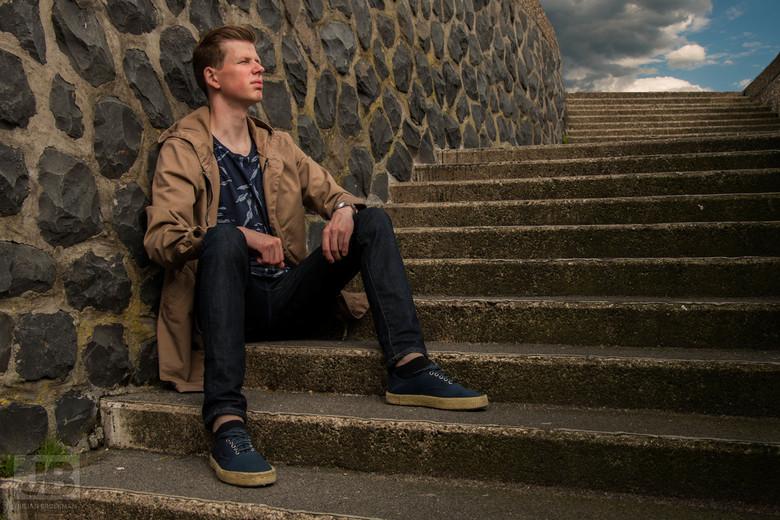 Julian - Fotoshoot aan de Rijnkade in Arnhem. <br /> Oefenen om mij te ontwikkelen in de portretfotografie. <br /> Feedback is van harte welkom. <br