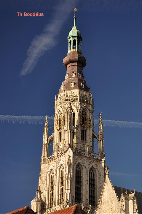 olv kerktoren BREDA 1212292877mw - net als de kerk geheel in natuursteen uitgevoerd in fraaie flamboyante gotiek .<br /> Toren soms te beklimmen tot