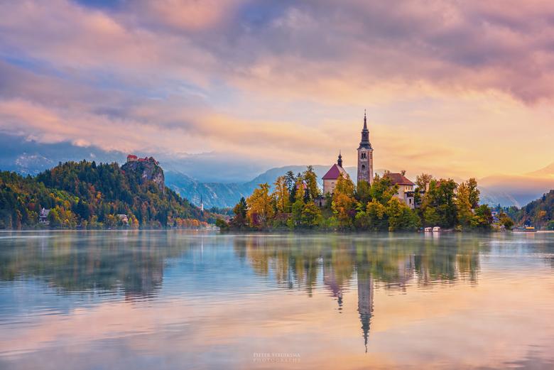 Sloveense ochtend - Meer van Bled, moment na zonsopkomst