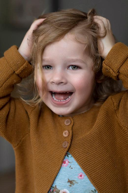 Snapshot van mijn kleindochter - Eindelijk kon ik mijn kleindochter weer eens zien, na maanden ...<br /> (Corona)
