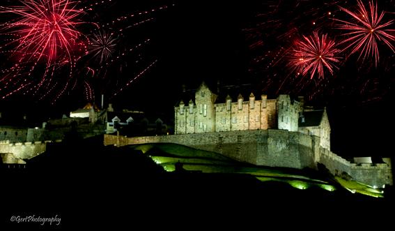 Vuurwerk Edinburgh Castle - Als afsluiting van het Edinburgh Festival is er op de laatste dag een gigantisch vuurwerk (een uur lang) begeleid door een
