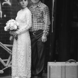 Grapje met Vietnamees bruidspaar