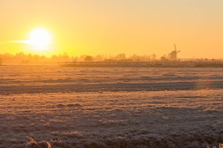 Spookverlaat - Is de vroege ochtend in de polder.