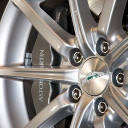 Close up Aston Martin Velg