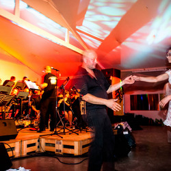 dansen tijdens het concert