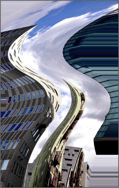 De Wereld verandert . .  - AMSTERDAM -  . . .  na 12 etages  . .