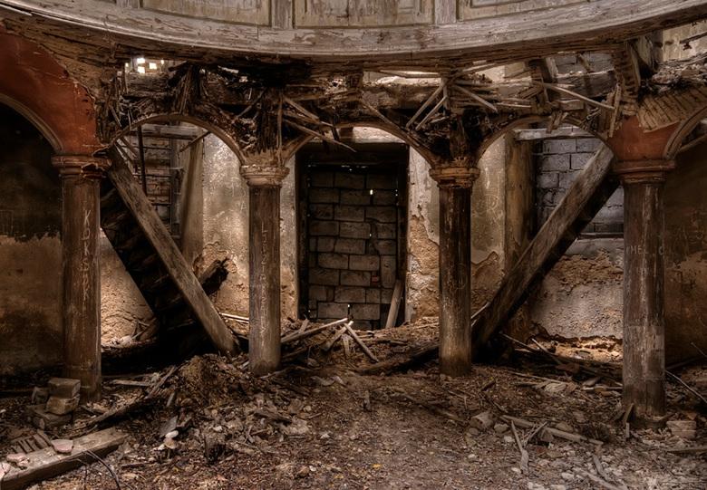 de kogel door de kerk ? - houten kerk in Oost Europa, 02