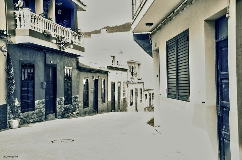 High key  - Straatje op La Palma.