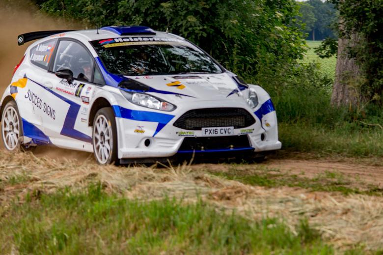 Dennis Kuipers_Robin Buysmans_5 - Dennis Kuipers tijdens proef in de Vechtdal Rally 2017.