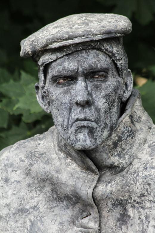 """Stiefkiekn 6... - .... Drentse Kampioenschappen Living Statues in Westerbork.<br /> <br /> Bedankt voor het kijken en de reacties op <a href=""""http:/"""