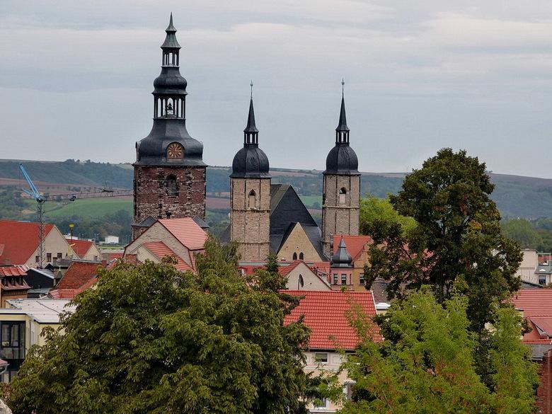 Ik neem jullie mee voor een - wandeling door de mooi kleurrijke stad, Lutherstadt Eisleben verheven tor werelderfgoed van Unesco de stad telt zo circa