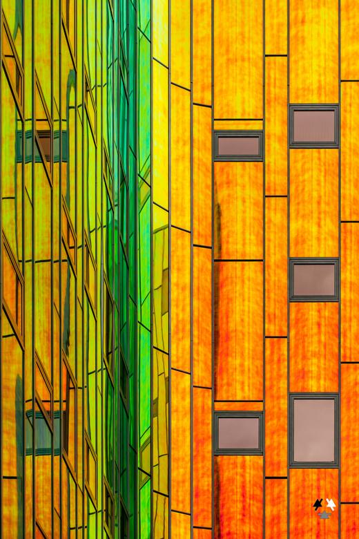 l'arc en ciel III - omdat ik me stiekem toch verplicht voelde een uitvoering mét kleur in de regenboog te doen.<br /> Of omdat wat oranje op een dag