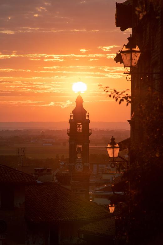 Zonsopgang in de Piemonte, Italie