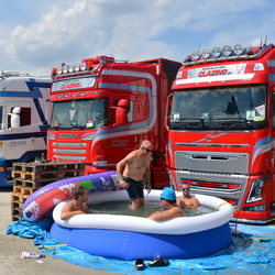 Truckstar, met zwembad