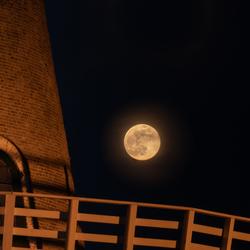 Volle maan boven Gorinchem