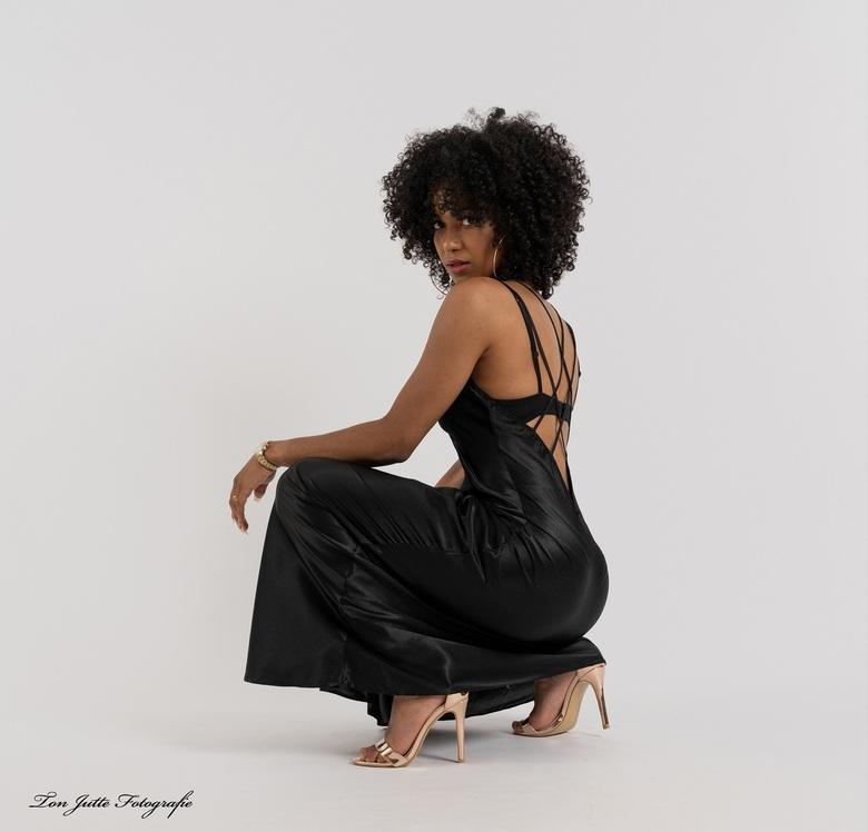Black dress - Shena.
