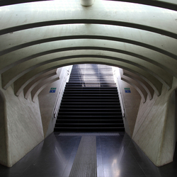 Trap naar perron  station Luik