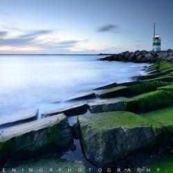 Lighthouse IJmuiden after sunset