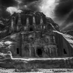 spook kasteel in zwart-wit
