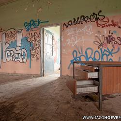 Verlaten gebouw (II)
