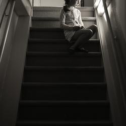 Fien op de trap
