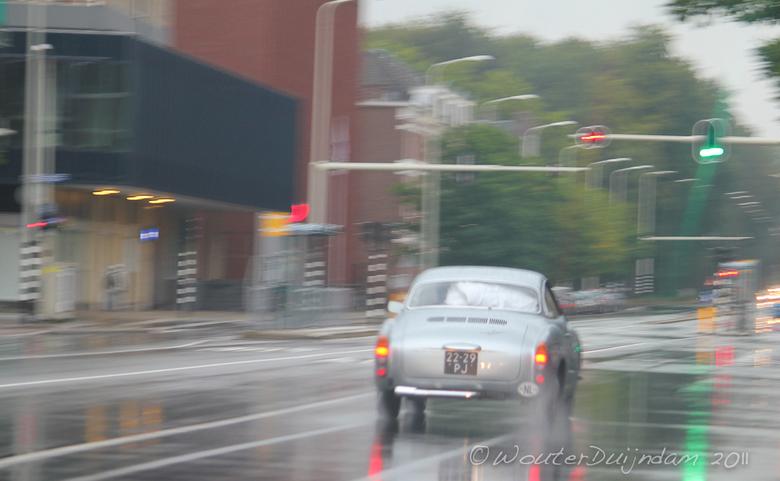 Karmann Ghia in actie - Het toonbeeld van Nederland.