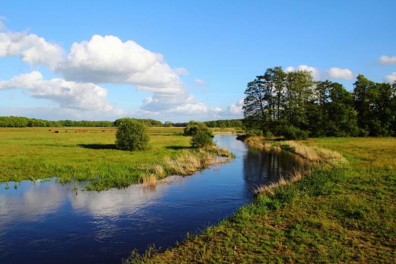 Drentse Aa - Denkend aan Holland zie ik brede rivieren door oneindig laagland gaan.....