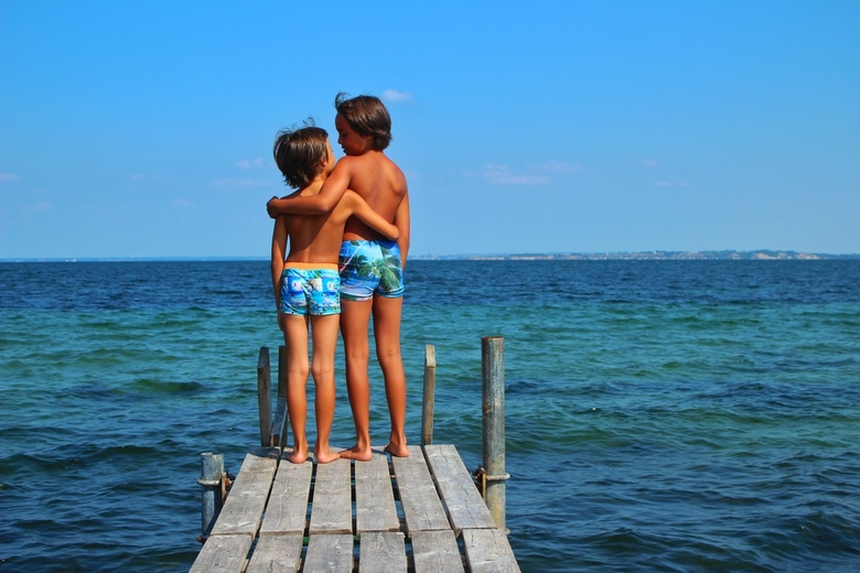 Broers - I smile because you are my brother<br /> I laugh because there is nothing you can do about it