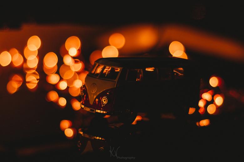 In the lights  - Spelen met licht, en duisternis. Zo klein maar toch zo groot. De duisternis, maar toch zo licht.<br /> Fijne feestdagen!