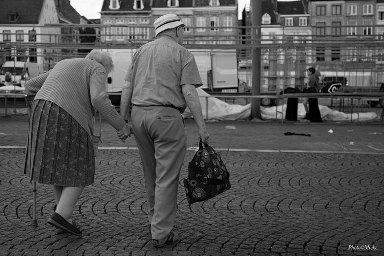 Liefde is... - Zolang het kan samen er op uit<br /> <br /> Wij hebben dit de laatste dagen ook gedaan. Geweldige dagen in Maastricht en omgeving.<br