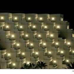 Hotel in de nacht