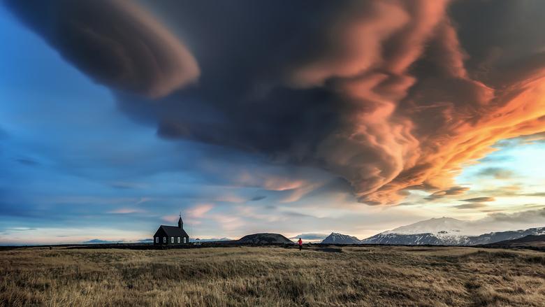 Cloudscape - nog een beeld van deze unieke wolkenformatie boven Budir , IJsland