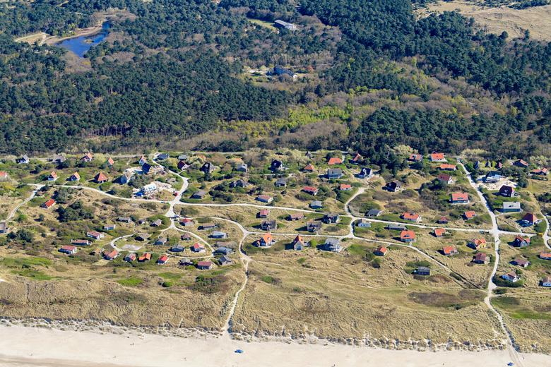 Vakantiehuisjes Vlieland - De vakantiehuisjes en hotels van Duinkersoord aan het Noordzeestrand en bos op het Waddeneiland Vlieland.