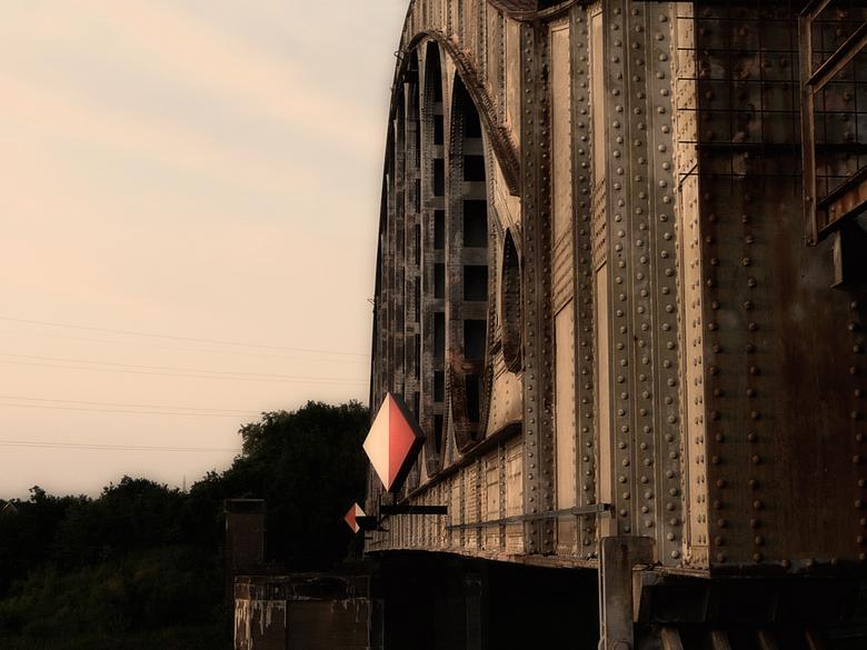 urban bridge - P1110821.jpg