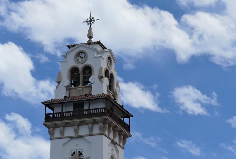 P1060740 ShiftN  Tenerife Detail toren basiliek  Candelaria  21mei  2019 - Hallo Zoomers ., GROOT kijken en even lezen .  Gisteren liet ik twee detail