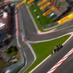 Vettel door Eau Rouge