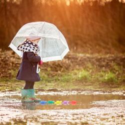 Meisje in de regen