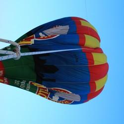 een ballon aan het lijntje houden