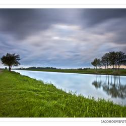 Regenwolken boven het Staphorster veld (1)