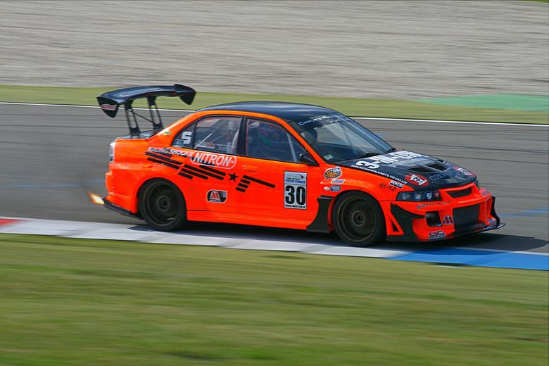 Nitron - Deze 'lucky shot' foto van Japans autosport festival 13 september op TT-circuit te Assen, waar ik met maat Bert Meijer heen ben gew