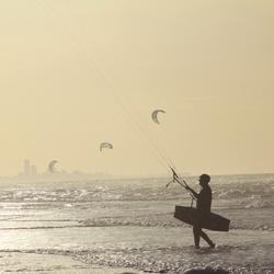 Kitesurfers in Katwijk