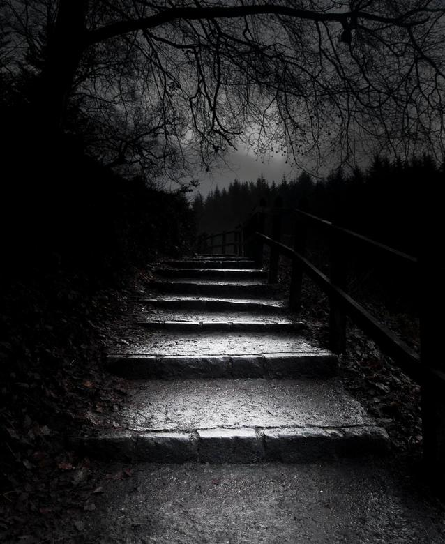 Clyde stairs - Een trappetje bij New Lanark aan de river Clyde in schotland.