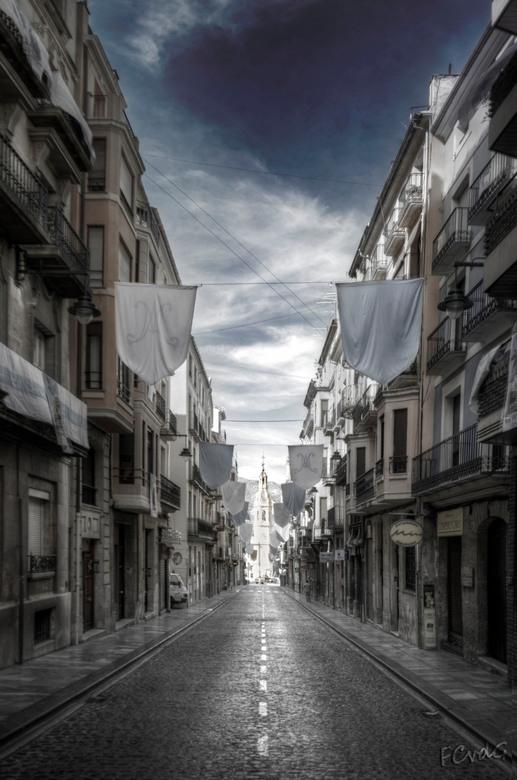 Siesta - Wat een rust in de straten van Alcoy, Spanje.