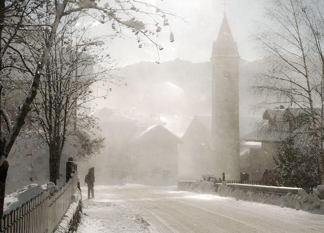 Winter in de Dolomieten - Sneeuwstorm in Italiaans bergdorpje