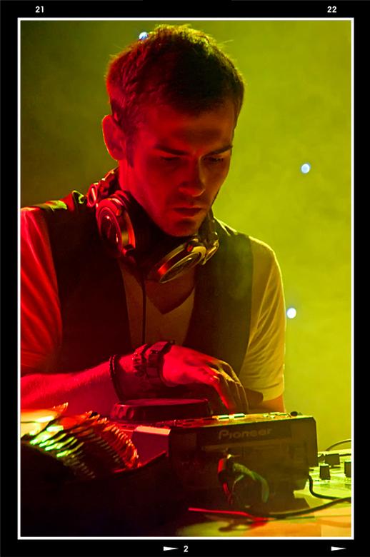 Queensnight 13 - Het DJ bestaan is in de tijd behoorlijk veranderd. Waren het vroeger gewone jongens die wat plaatjes draaiden en  het aanwezige publi