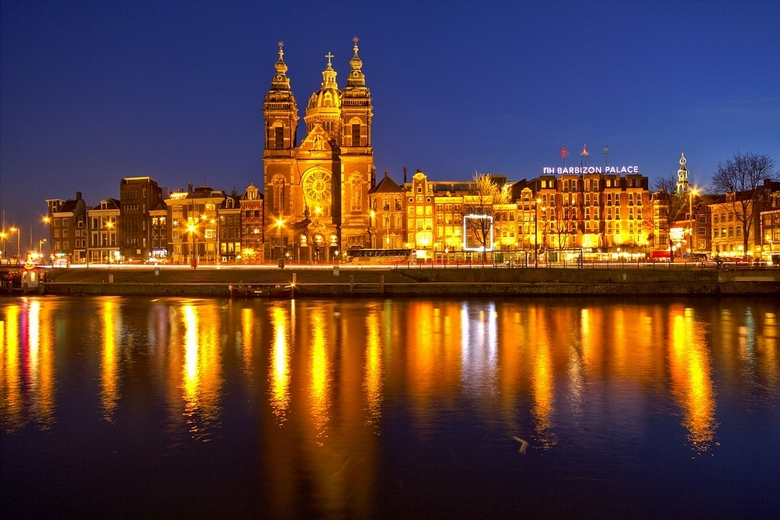 Amsterdam in de avond 2