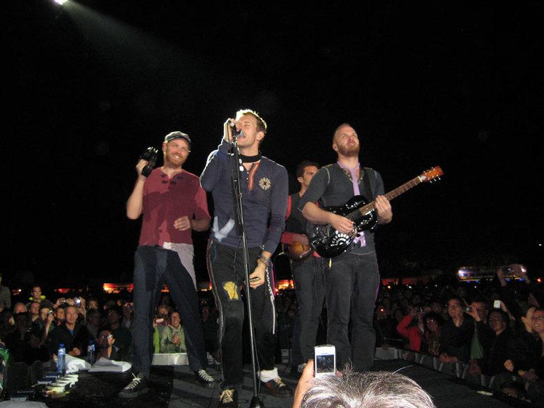 """Coldplay! - Woensdag 9 september 2009, Goffertpark Nijmegen. Wat waren ze goed <img  src=""""/images/smileys/smile-big.png""""/><br /> <br /> Gr. Ruben"""