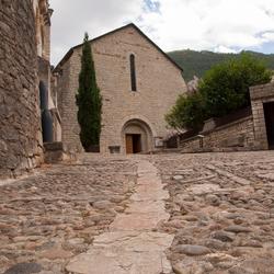 Straatje met kerk, Sainte-Enimie