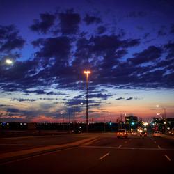De avond valt in Mississauga